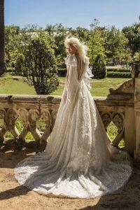 Exklusives Brautkleid von Happy Bride